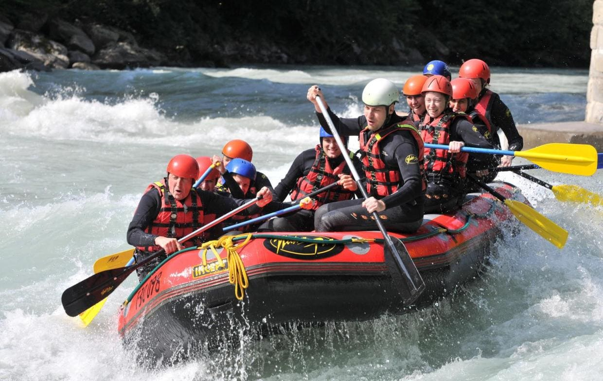 Extreme outdoor activity on the Tara river